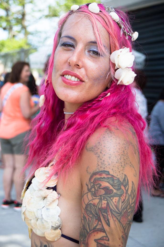 PretextSocialClub_ConeyIsland-MermaidParade-2014_photoby-CameronMcLeod_IMG24