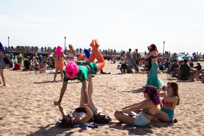 PretextSocialClub_ConeyIsland-MermaidParade-2014_photoby-CameronMcLeod_IMG6