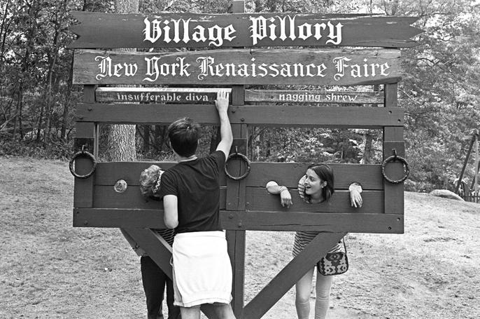 Pretext_Social_Club-NYC_Renaissance_Faire-photo_by-Kacie_Daughety-IMG1