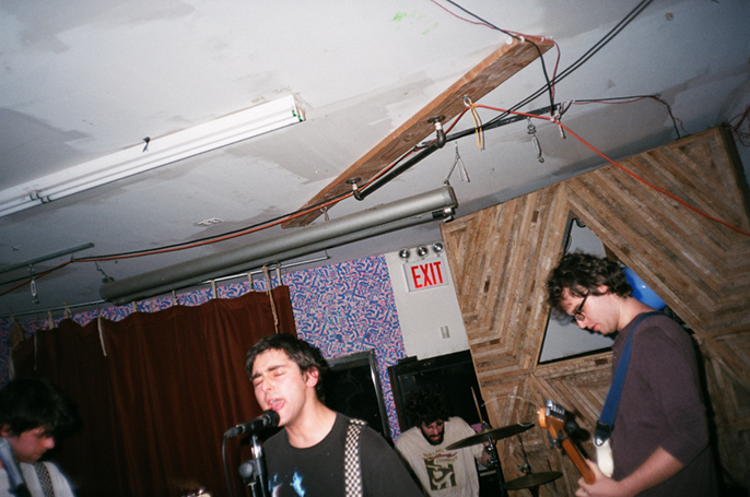 Pretext_Social_Club-The_Gradients-Silent_Barn-photo_by-Jessica_Straw-img_3