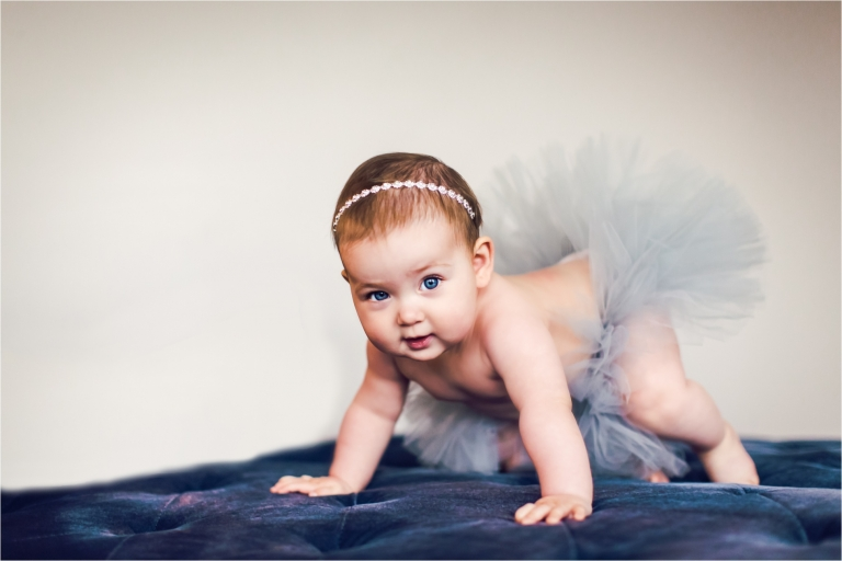 6 MONTHS BABY PORTRAITS - CLAIRE_0004.jpg
