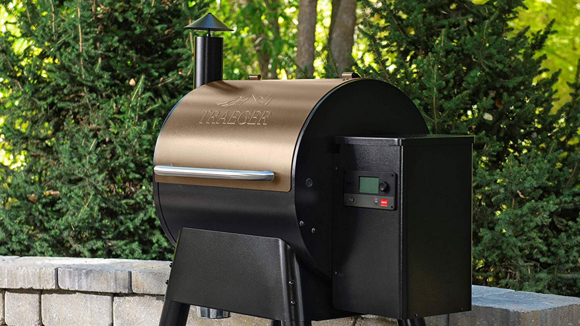product image of Traeger Pro Series 575 Grill staged outside in backyard