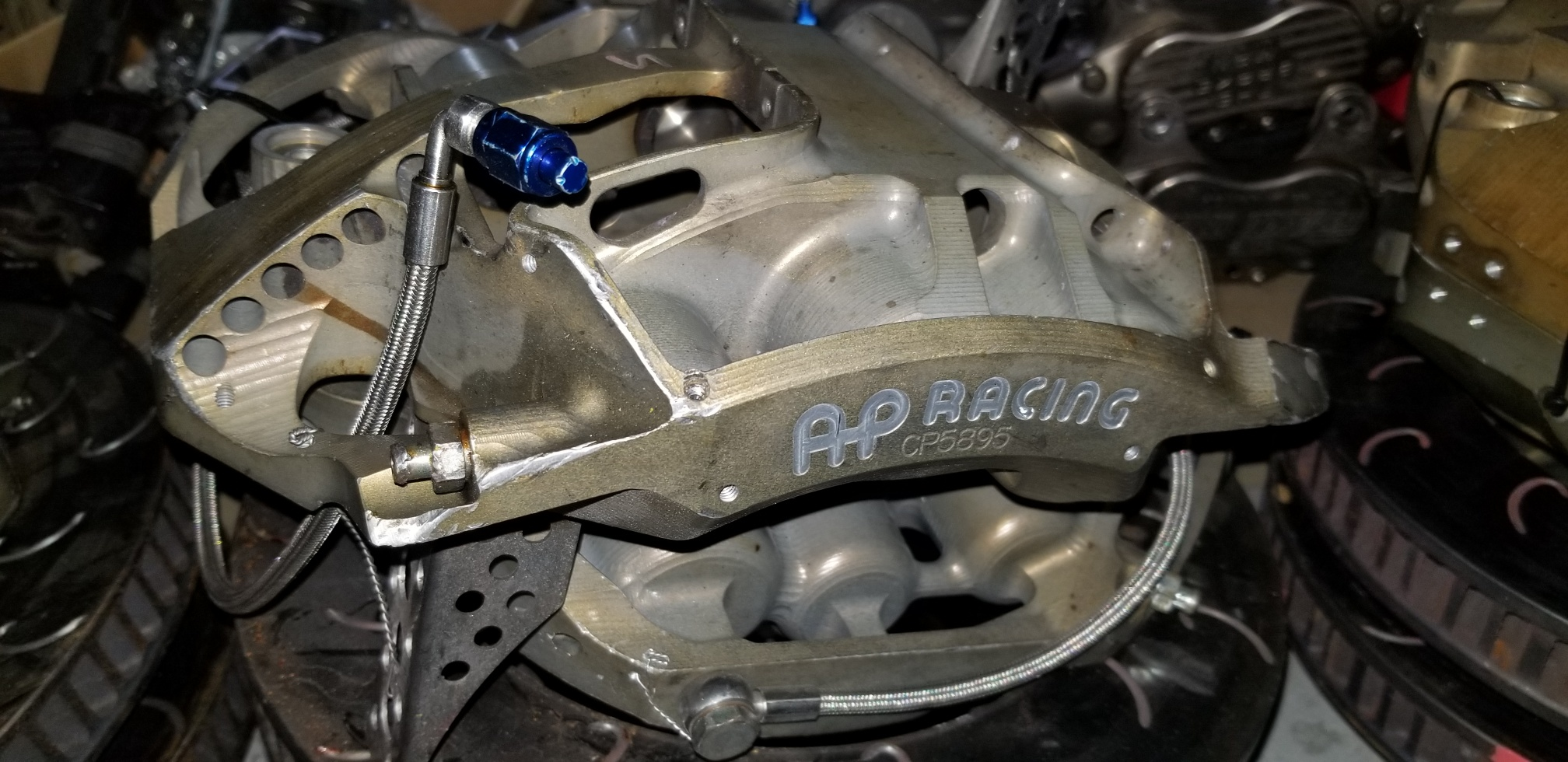 AP 5895 6 PISTON FRONT CALIPERS