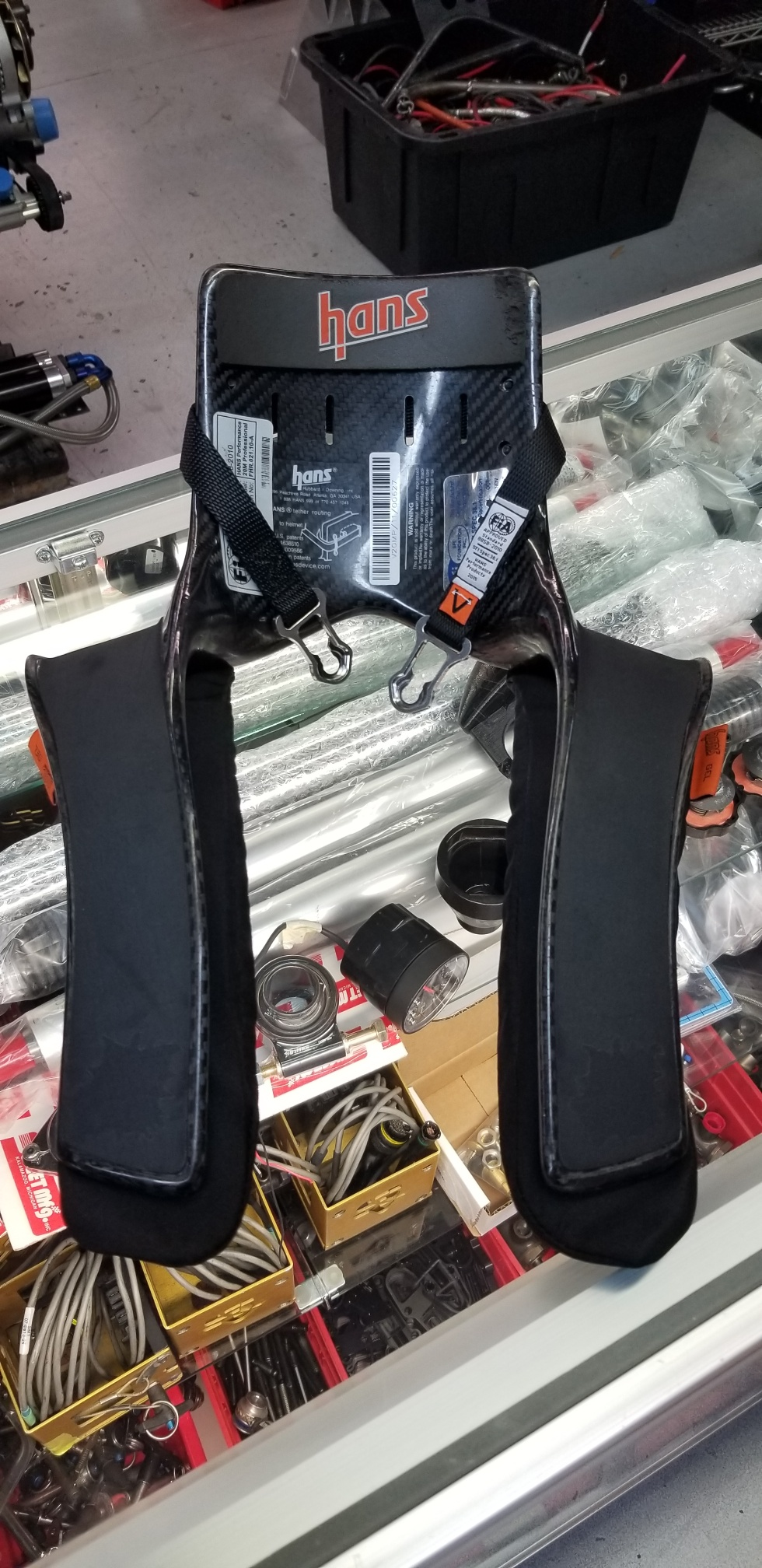 CARBON FIBER USED HANS DEVICE / MEDIUM