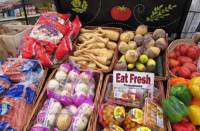 Food shelf vegetables