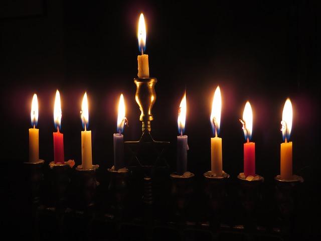 hanukkah_candles-897776_640_pixabay