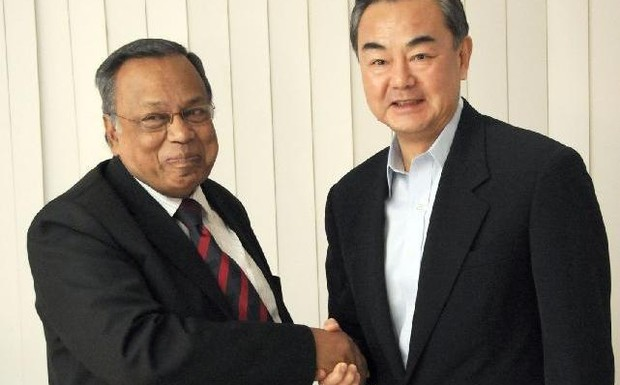 "Visiting Chinese Foreign Minister Wang Yi has pointed out that there had been ""no historical disputes and conflicts"" between China and Bangladesh."