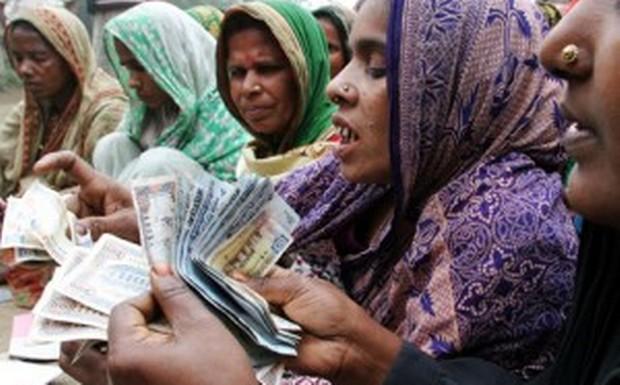 bangladesh_microfinance_z-300x201