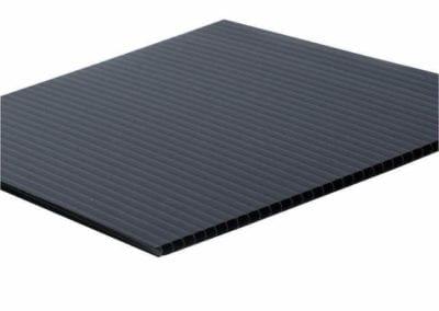 black-coroplast