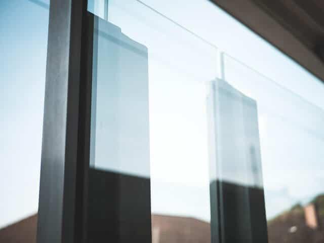 close-up-security-glass