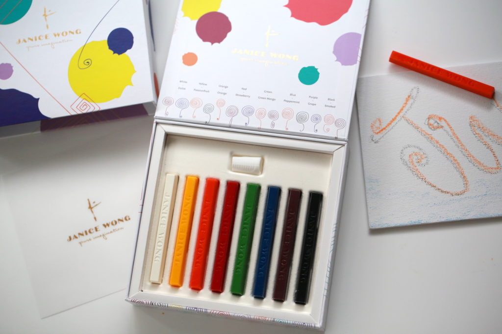 Chocolate crayons in gift pack