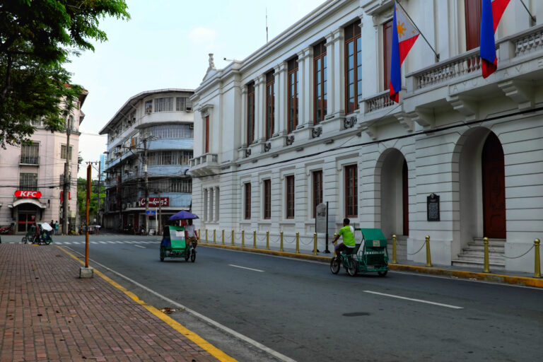 Manila,,Philippines,-,May,18,,2019,:,Pedicabs,Drive,Past