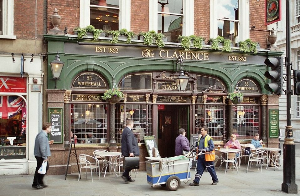 The British Government Is Killing Restaurants and Pubs. Why?