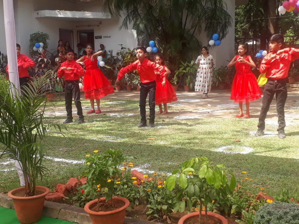 Dancing at CHIC