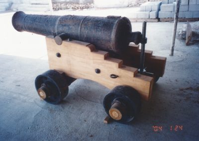 Garrison gun with iron trucks