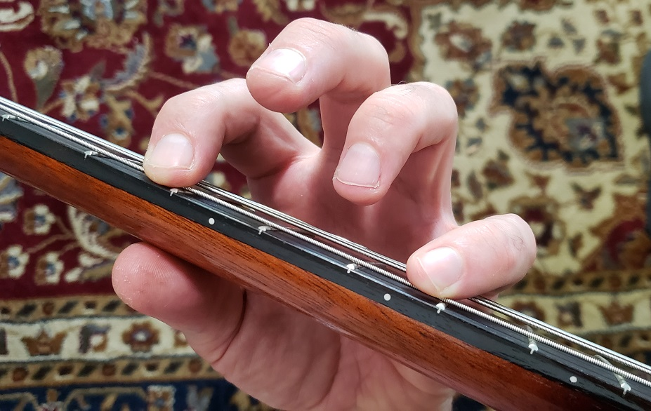 Read more about the article Five Reasons You Have a Buzzing Sound from Your Acoustic Guitar (And How to Fix)