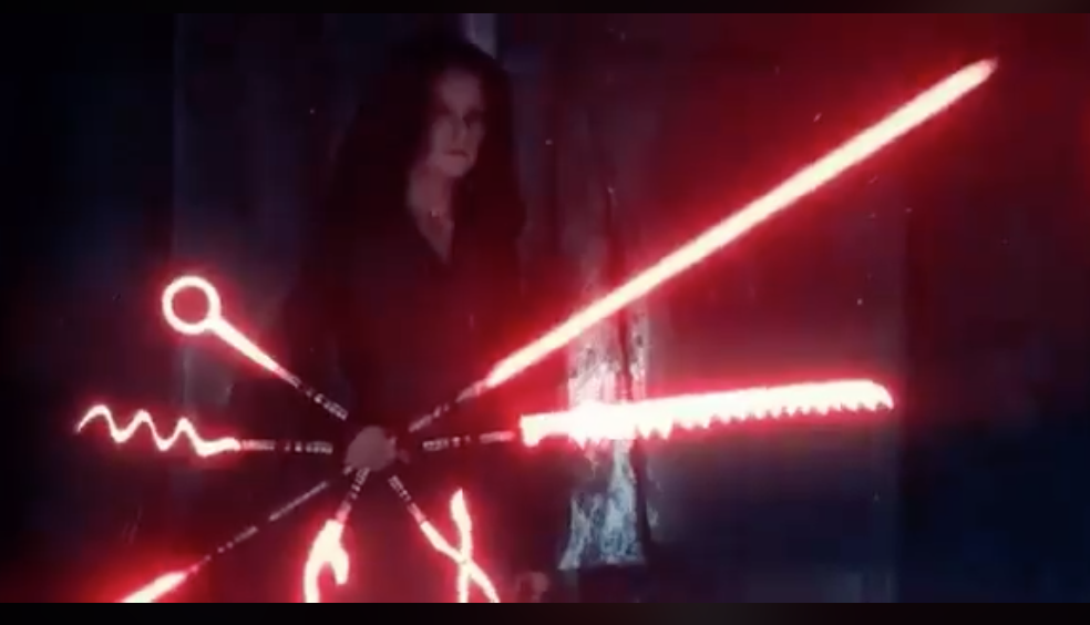 Rey Employs Practical New Light Saber In Rise Of