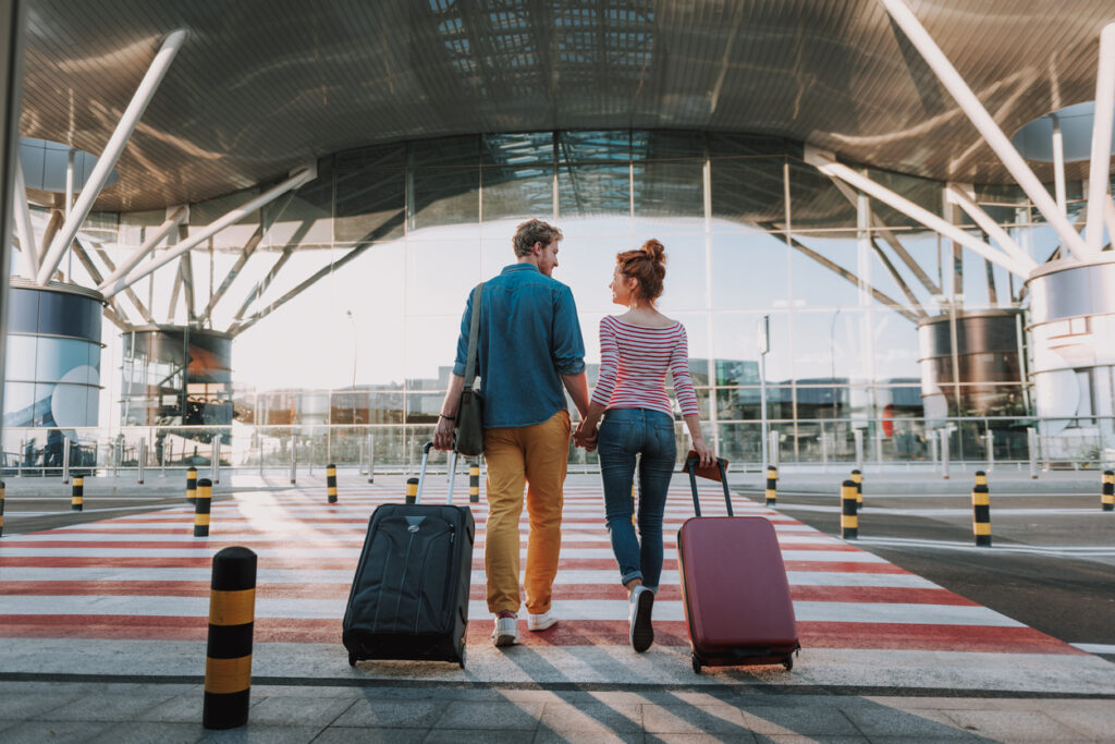 How to Travel and Stay Safe During the COVID Holidays