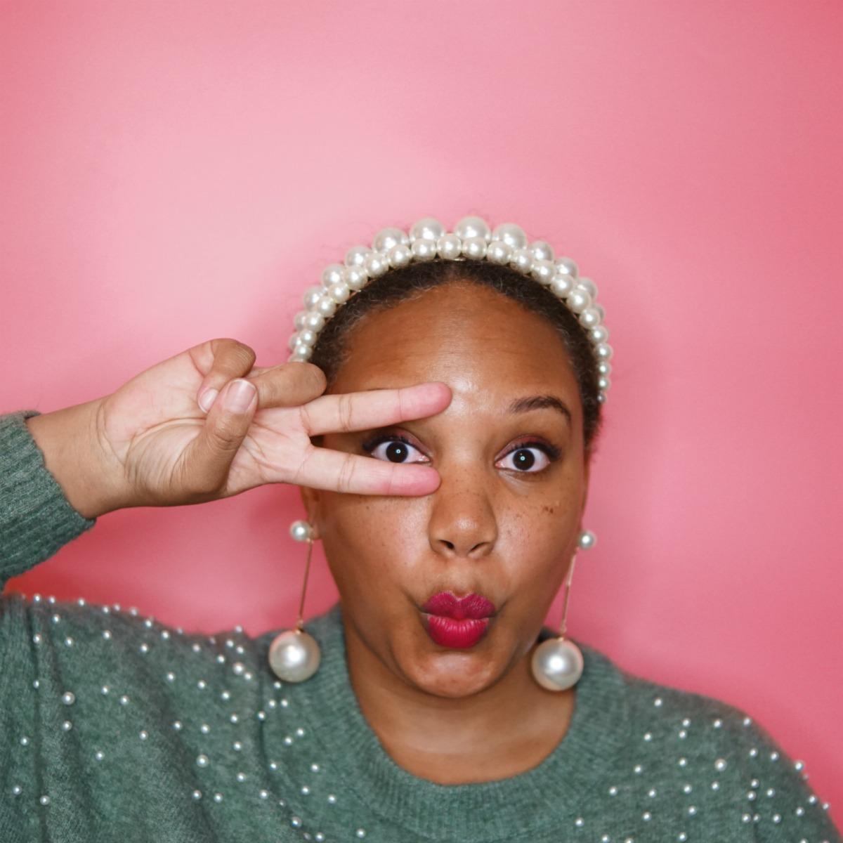 how to wear a pearl headband