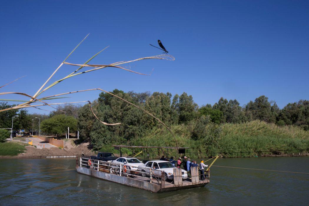 Los Ebanos ferry