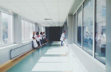 doctors-2607295_1920