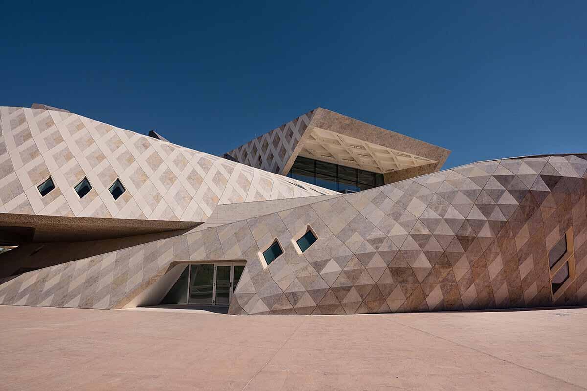 Sheikh-Zayed-Desert-Learning-Center-UAE