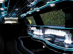 CT 8-Passenger Stretch Limousine Bar photo