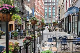 Image of an outdoor cafe in Downtown New Rochelle. This is the cultural, retail, and entertainment district.