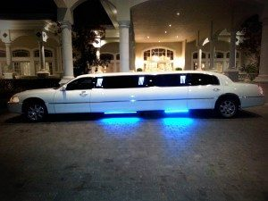 Image of white 8-10 passenger Lincoln Town Car stretch limousine in CT