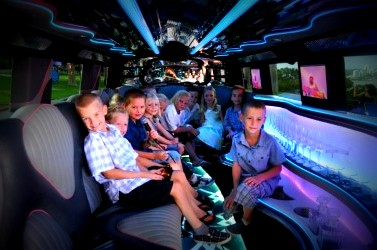 Kids-In-Limo-Image