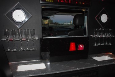 Hummer Bar Area Image