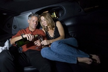Date-Limo-Valentine-s-Day-Image