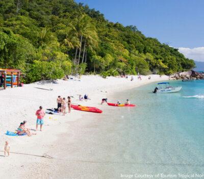 beach-on-fitzroy-island---skydiv-30569_1280x853