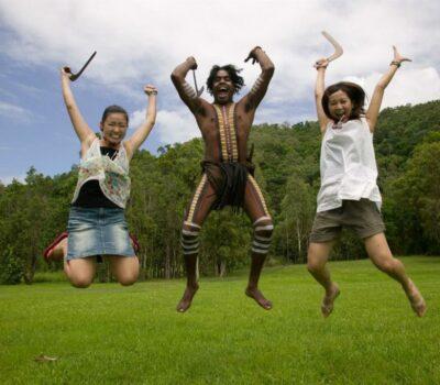 people-jumping-boomerang-throwing
