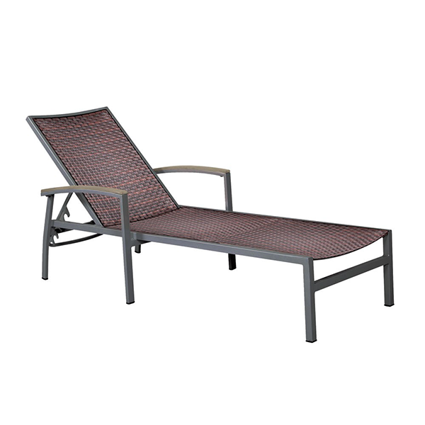 outdoor wicker chaise lounge chair