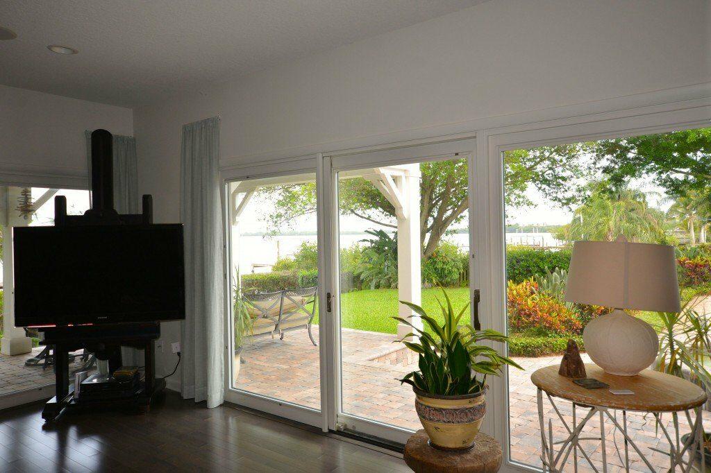 sun-bay-builders-living-room-1024×682