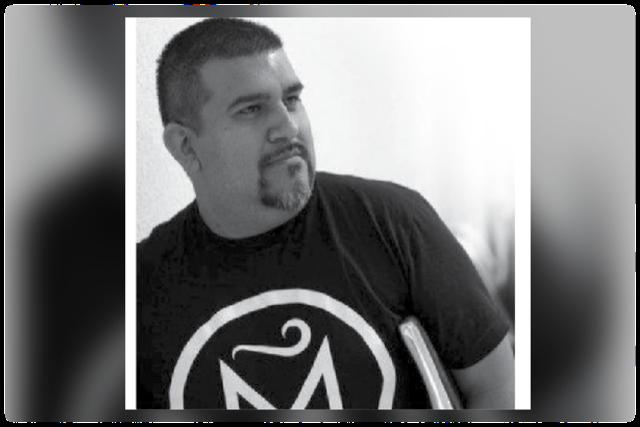 Educador de HISD nombrado Poeta Laureado de Texas