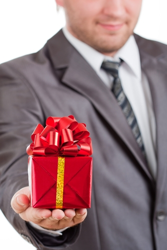 How to pick the perfect client gift