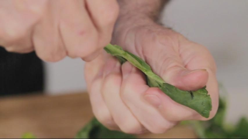 Cleaning Spinach