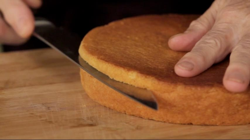 Cutting a Genoise