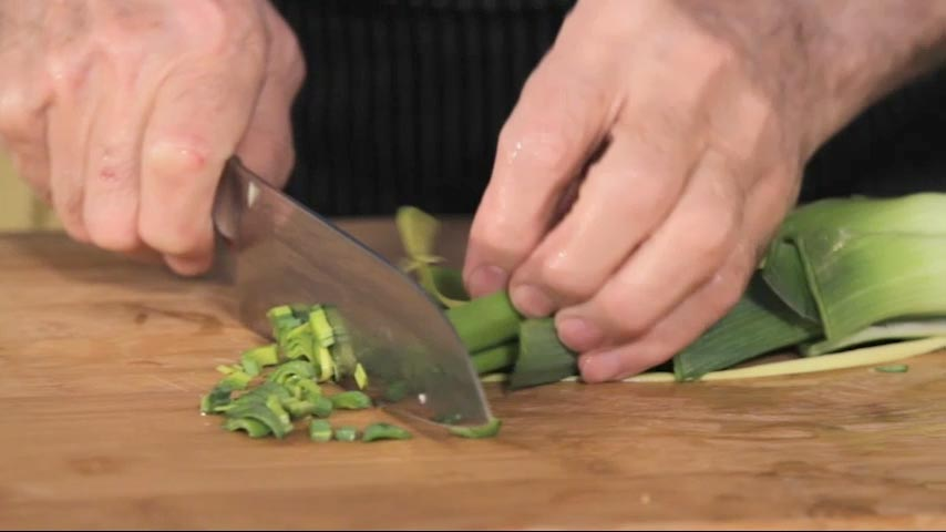Cutting, Washing and Julienning a Leek