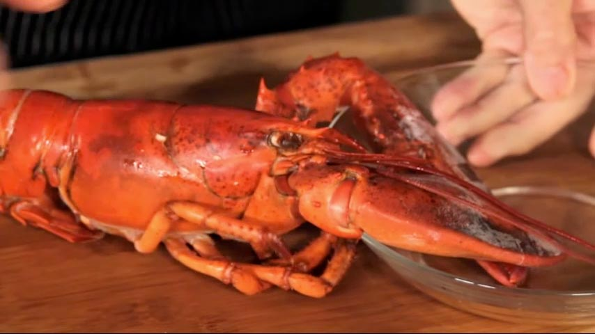 Removing the Meat from a Cooked Lobster