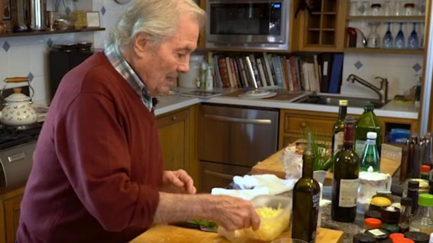 Jacques Pépin makes pizza