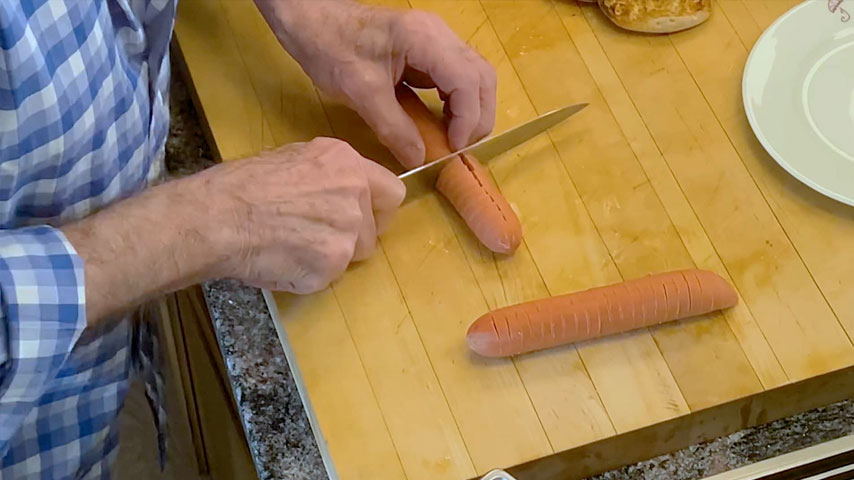 """Jacques Pépin makes a """"curly dog"""""""