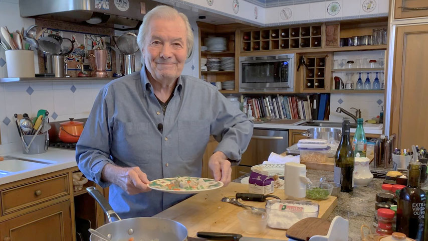 Jacques Pépin makes chicken in cream sauce