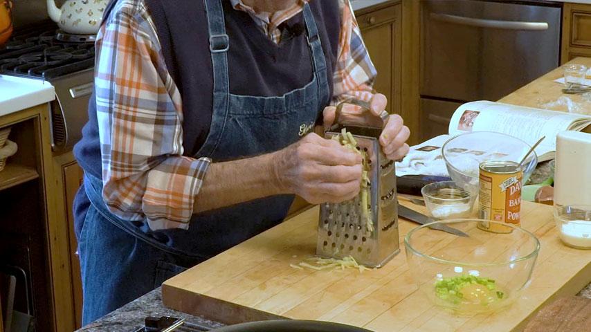 Jacques Pépin makes potato latkes