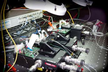 350px-microscope-4