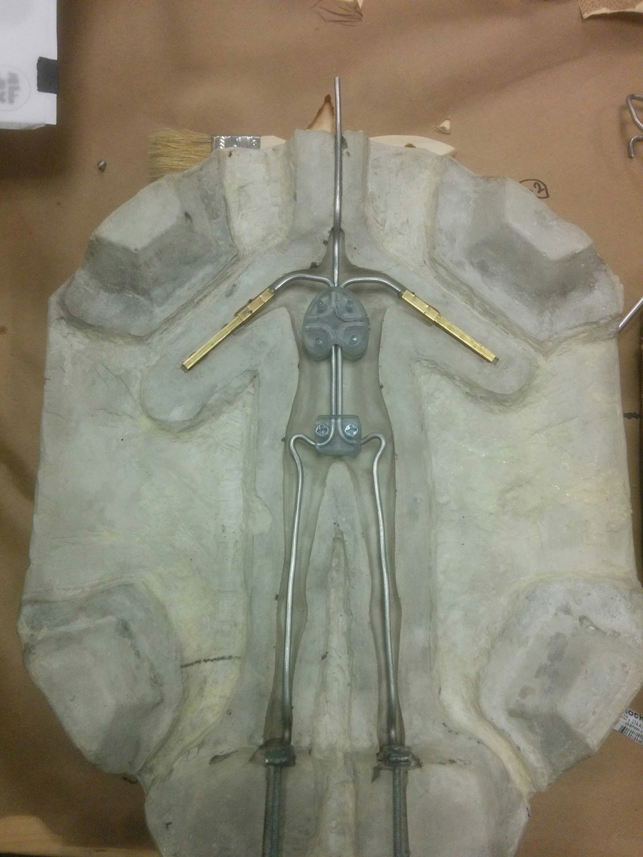 05-Body-Plaster-mold-with-wire-Armature