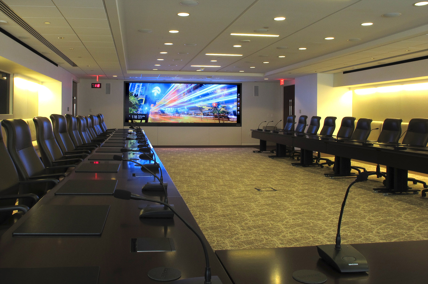 Executive Meeting Rooms with private room isolation design allowing high level discussions and easy to use.