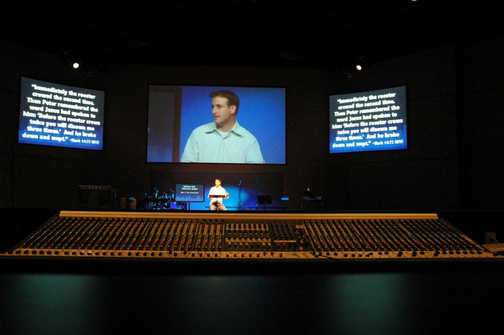 sound system, noslar ti, church, display, screen, monitor, stage, equipment
